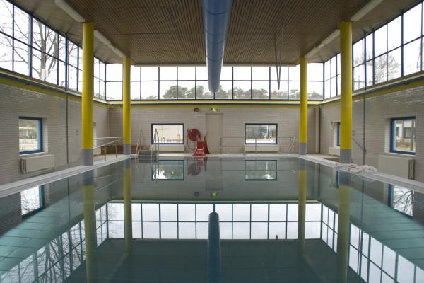 zwembad-overzicht-leeg.jpg